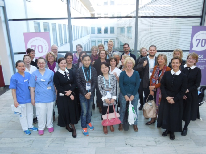 The participants of the visit together with their hosts, Prof. Ulf Norming, Head (back left) and some nurses of the Urology department